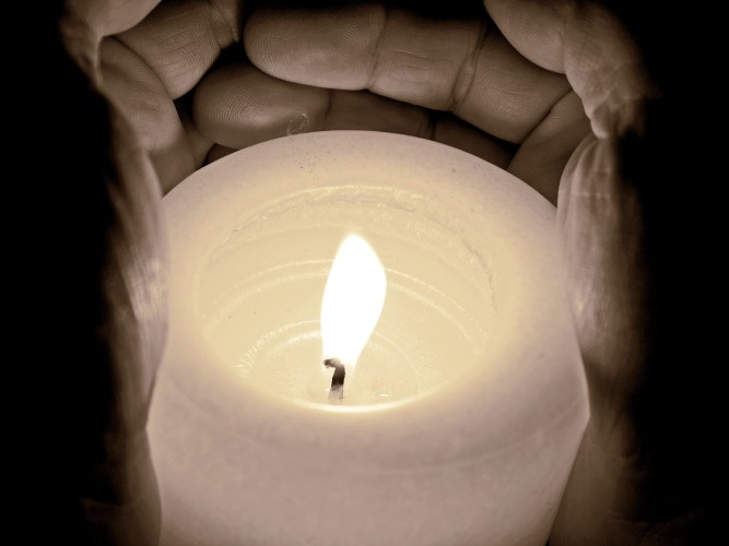 candle-968244_1920